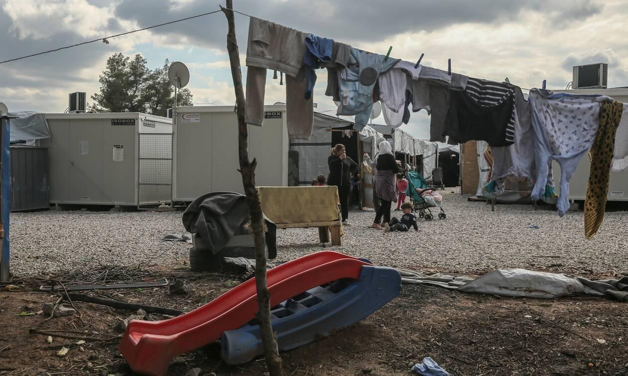 Μαρτυρία Αφγανής προσφύγισσας από την Ριτσώνα: «Αν δεν μοιραστούμε τα προβλήματα, τίποτα δεν αλλάζει…»
