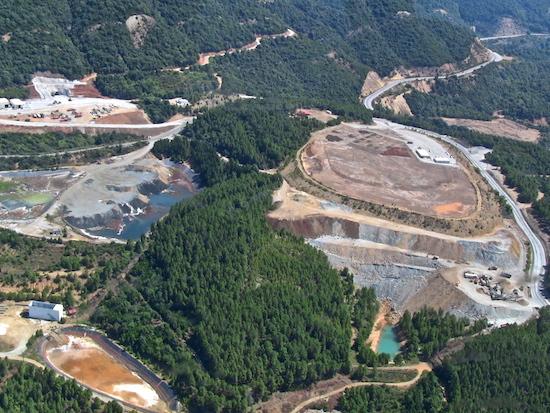Δύο υψηλόβαθμα στελέχη της Ελληνικός Χρυσός καταδικάστηκαν για ρύπανση του νερού στην Β. Χαλκιδική