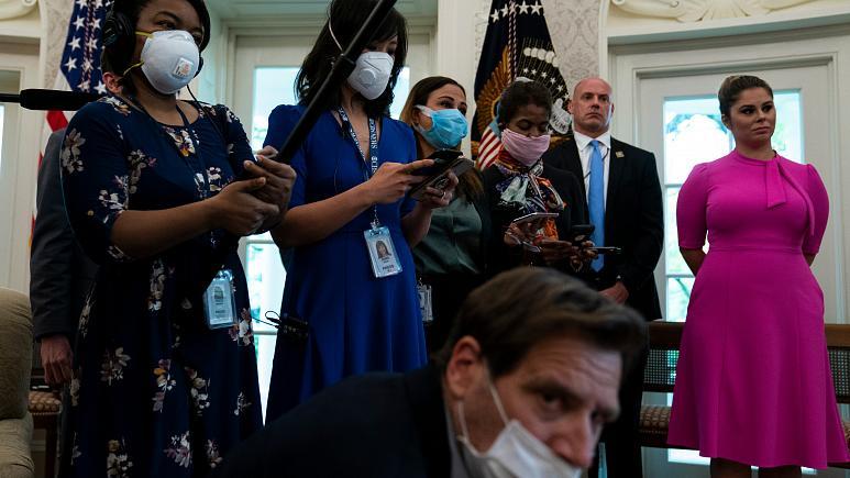 Covid-19: Δεκάδες δημοσιογράφοι νεκροί από τον κορονοϊό καλύπτοντας την πανδημία