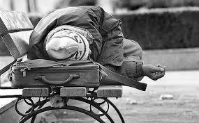 Άστεγος οροθετικός χωρίς νοσηλεία μετά από ατύχημα: Δεν υπήρχε χώρος στα δημόσια νοσοκομεία, δεν τον δέχτηκαν τα ιδιωτικά