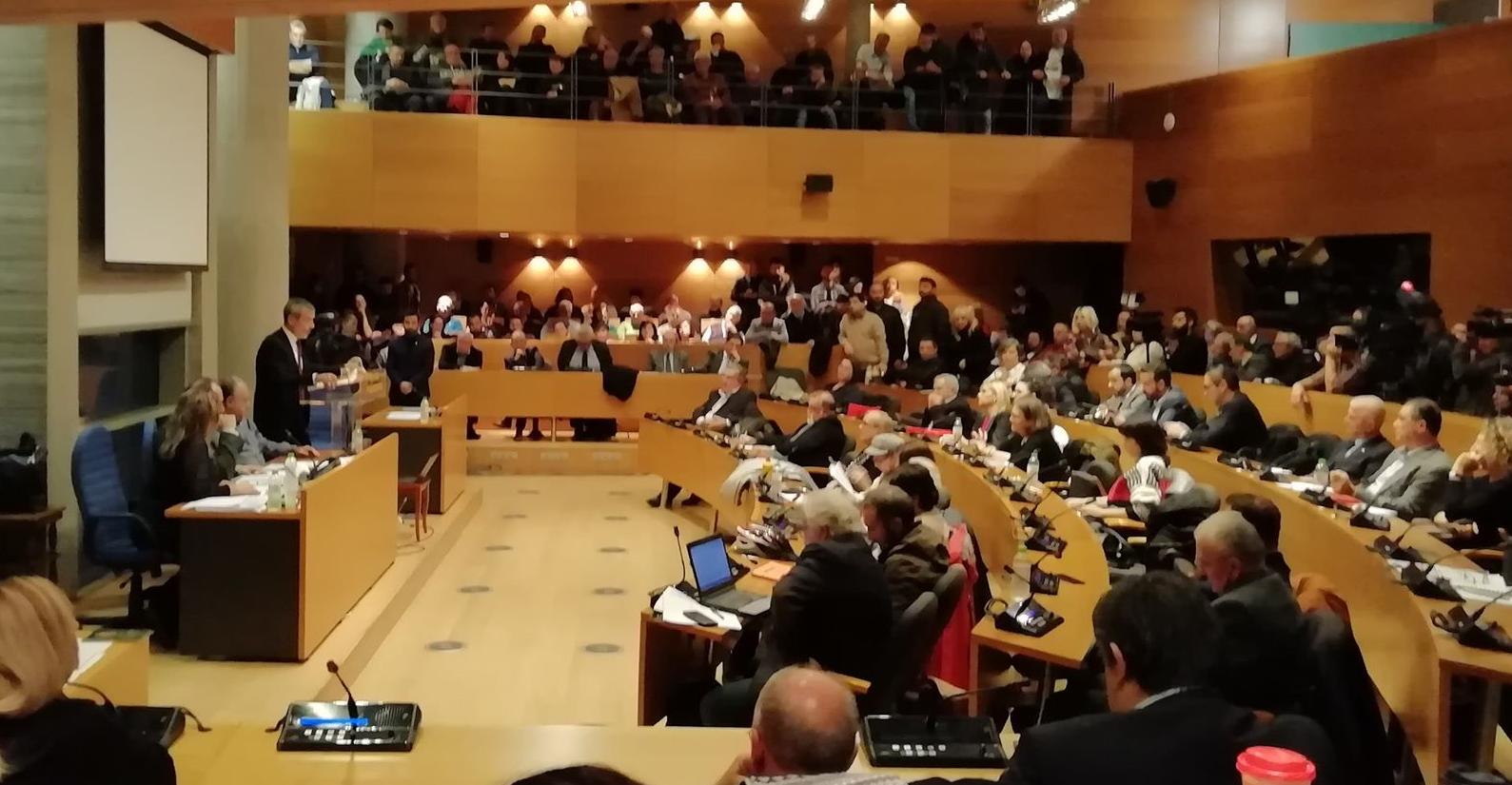 Ομόφωνο ψήφισμα του Δημοτικού Συμβουλίου Θεσσαλονίκης ζητά την καταδίκη της Χρυσής Αυγής