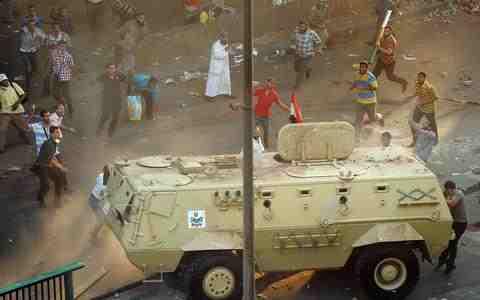 Αίγυπτος: Εκατοντάδες νεκροί-Συνέχιση των διαδηλώσεων