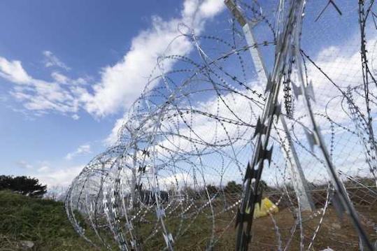 Επιβεβαιώνει η ΠΓΔΜ την δημιουργία δεύτερου φράχτη στα σύνορα με την Ελλάδα