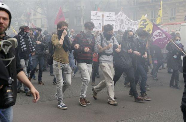 Συνεχίζονται οι διαδηλώσεις κατά του εργασιακού νόμου στη Γαλλία
