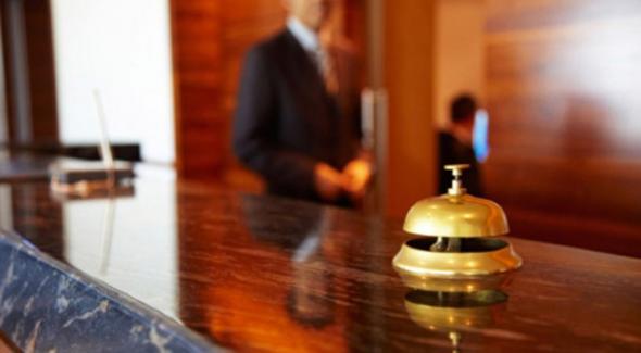 Κρήτη: Καταγγελίες για κουκούλωμα κρουσμάτων σε ξενοδοχοϋπαλλήλους