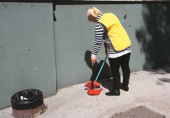 Θεσσαλονίκη: Τα εργασιακά δικαιώματα των σχολικών καθαριστριών στο στόχαστρο