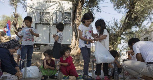 Διαδικτυακή συζήτηση για την εκκένωση των κέντρων υποδοχής προσφύγων-μεταναστών
