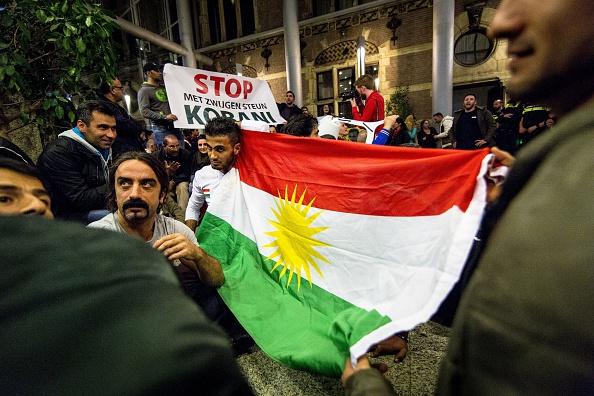 Ολλανδία: Διαδηλωτές κατά του Ισλαμικού Κράτους εισέβαλαν στο κοινοβούλιο