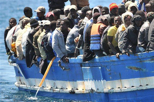 Πνίγηκαν 31 μετανάστες που προσπαθούσαν να φτάσουν στις ιταλικές ακτές