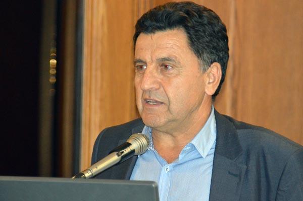 Δεν ψηφίζει ΠτΔ ο Πάρις Μουτσινάς
