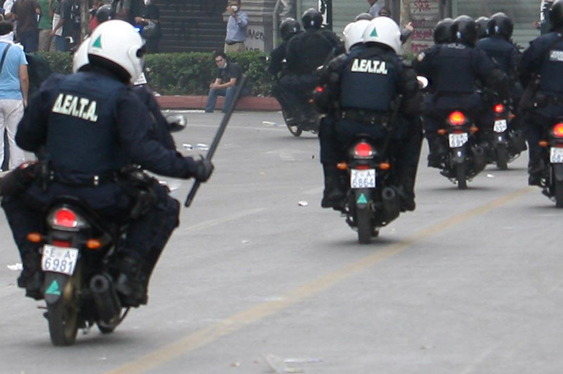 «Η κατοχή πολιτικών φυλλαδίων δεν συνιστά αδίκημα»- Περιστατικό αστυνομικής αυθαιρεσίας στα Εξάρχεια