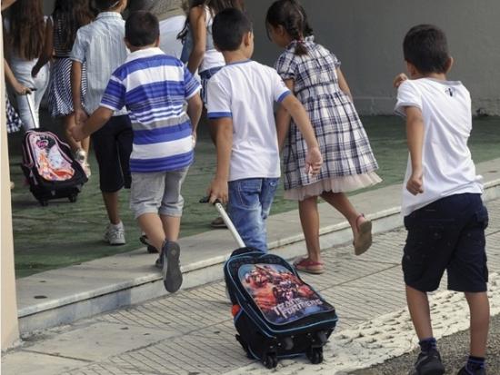 Σε τι σχολείο τα προσφυγόπουλα; Του Γιώργου Τσιάκαλου
