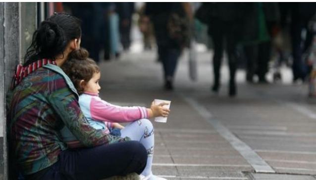 Πρωταθλήτρια στην παιδική φτώχεια η Ελλάδα στην ευρωζώνη