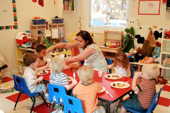 ΚΚΕ: «Δεκάδες χιλιάδες παιδιά μένουν εκτός παιδικών σταθμών»