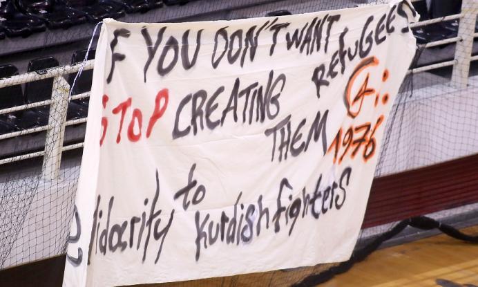 «Εάν δεν θέλετε πρόσφυγες, σταματήστε να τους δημιουργείτε! Αλληλεγγύη στους Κούρδους μαχητές»