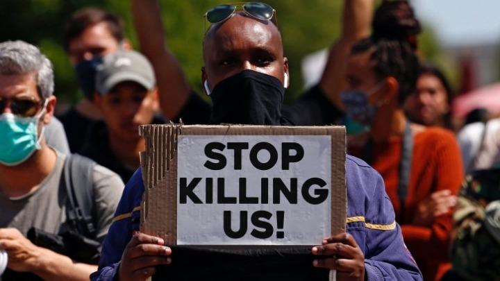 Συγκεντρώσεις αλληλεγγύης στους διαδηλωτές των ΗΠΑ σε Λονδίνο και Βερολίνο