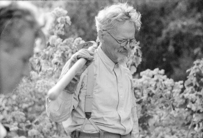 Ο Τρότσκι του ελευθεριακού Βικτόρ Σερζ. Του Δημοσθένη Παπαδάτου – Αναγνωστόπουλου