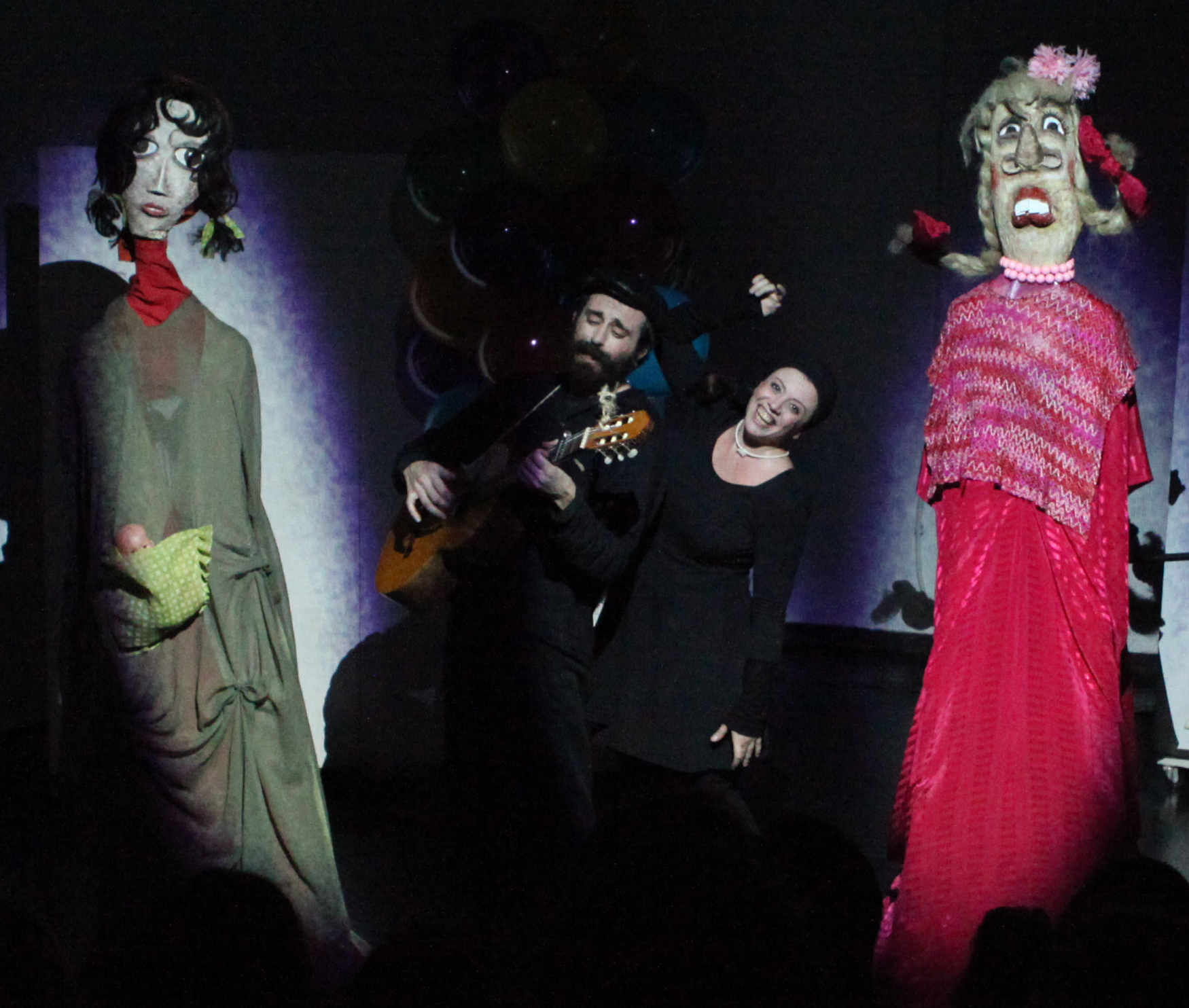 Τo alterthess.gr πάει θέατρο… στον «Ρομπέν των δασών» από τον κουκλοθίασο Redicolo